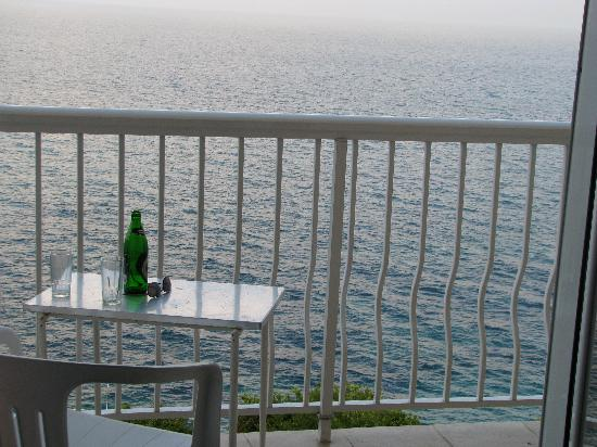 Perama, Yunanistan: Mythos on the balcony