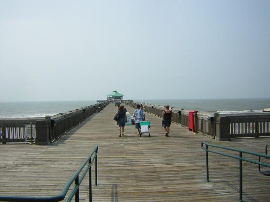 Tides Folly Beach: View of the Fishing Pier
