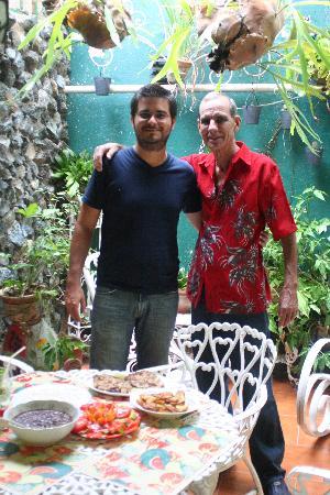 Casa Garcia: disfrutando un mojito con don Arnaldo