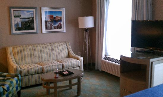 Residence Inn Portsmouth Downtown/Waterfront: living area
