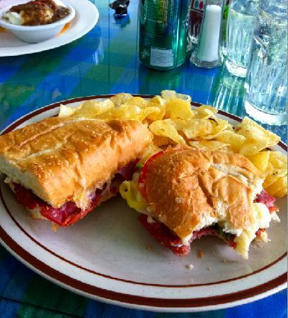 Crystal Club Cafe : Club sandwich