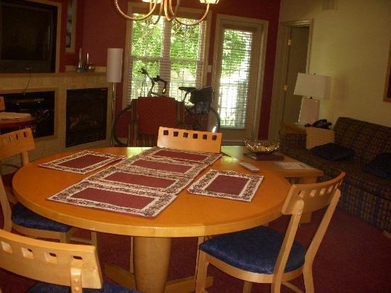 Carriage Ridge Resort: view to living room