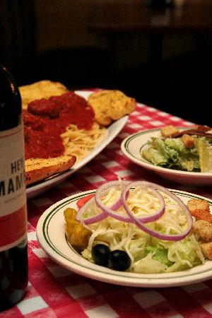 Beppo Uno Pizzeria and Trattoria: salad