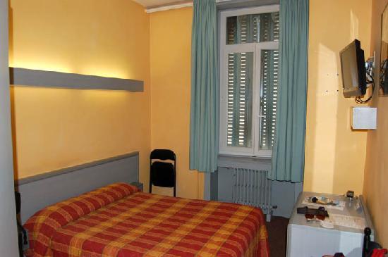 Hotel des Savoies Lyon: My room