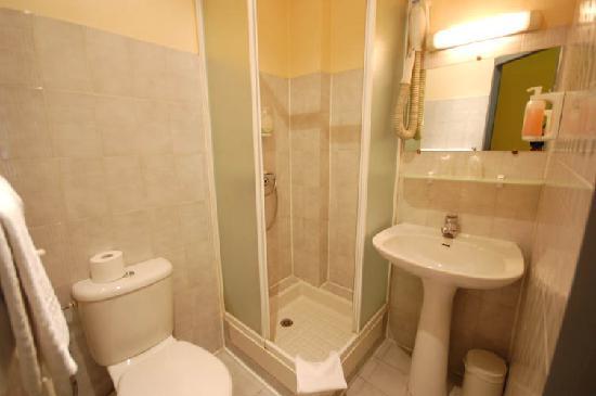 Hotel des Savoies Lyon: Bathroom