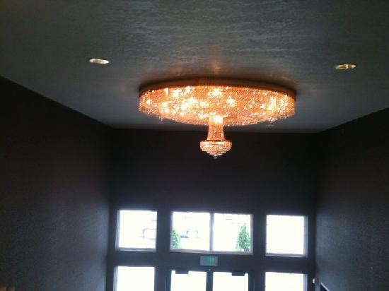 Bridge Vista Beach Hotel & Convention Center: lamp