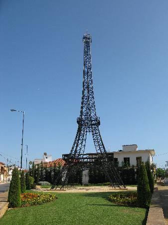 Gialova, Greece: Eifell tower