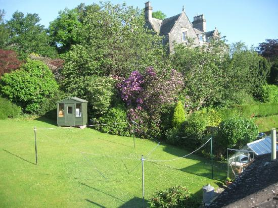 Stables Guest House : View of garden