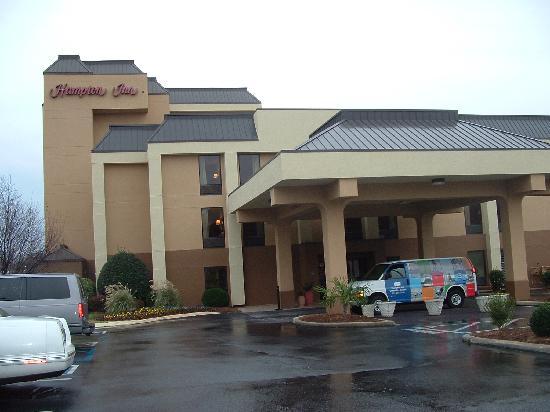 Wyndham Garden Greenville Airport: Hotel Entrance