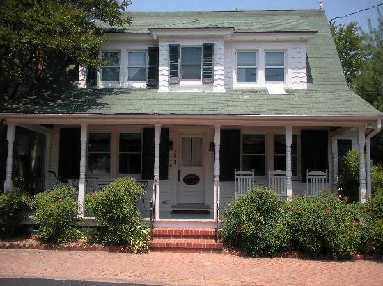 The Snuggery Bed & Breakfast: the front