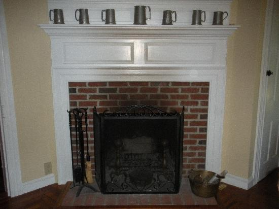 The Snuggery Bed & Breakfast: fireplace