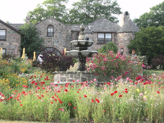 Ste. Anne's Spa: Lovely setting