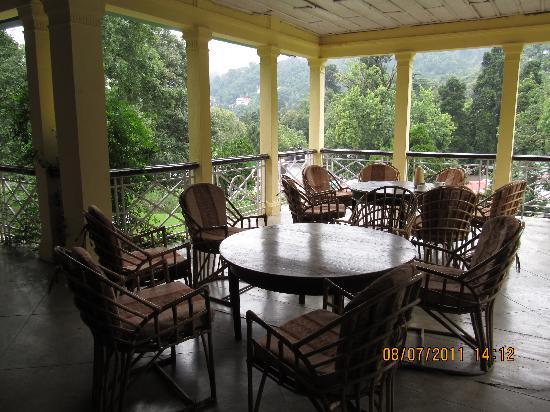 Balrampur House: Hotel Balcony