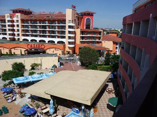 Hotel Mena Palace: One of the balcony views
