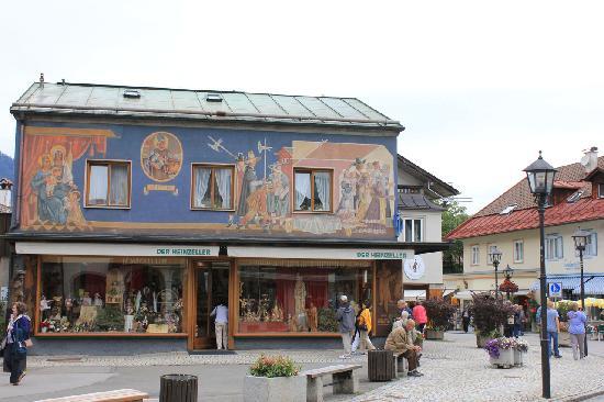 Oberammergau, Germany: Nice town2