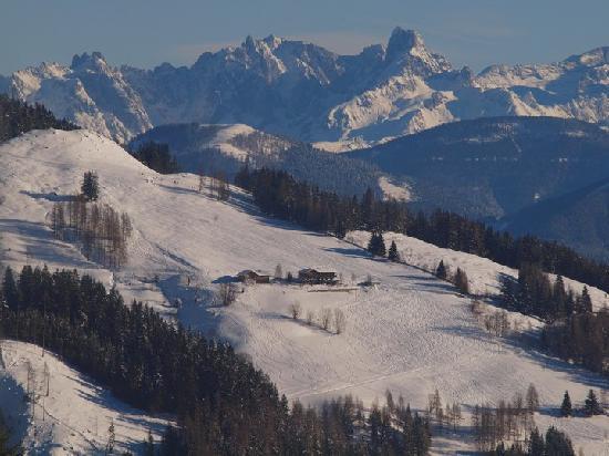 Alpengasthof- Pension Rapoldsberg : Rapoldsberg on the South face of the Hochkeil, above Mühlbach