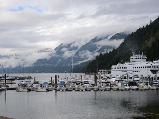 Horseshoe Bay Motel: Horseshoe Bay with Ferry