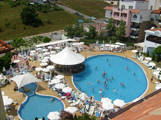 Bella Vista Beach Club : Poolarea