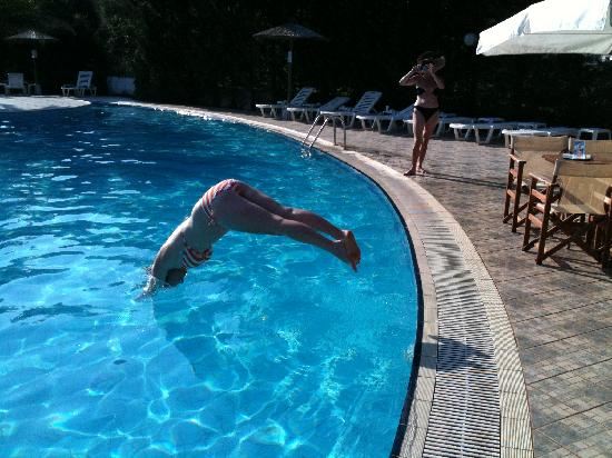 Ioannis Hotel: The pool.  Defying the no diving rule - it's over 2m deep!