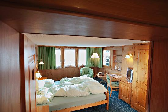 Hotel Walliserhof Zermatt: VRONI´S DOUBLE ROOM