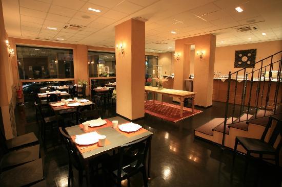 Piano B Pizza & Steakhouse: Sala piano terreno
