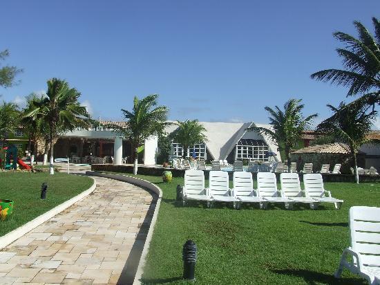 Prodigy Beach Resort Marupiara: Piscina, restaurante e chalés