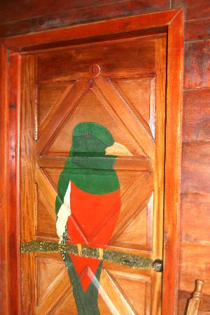Hotel y Cabinas Don Taco: Room doors are festively painted