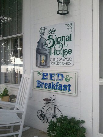 Signal House Bed and Breakfast: Signal House B&B Ripley, Ohio July 2011