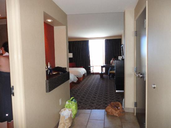 Palms Casino Resort: entrance to bedroom