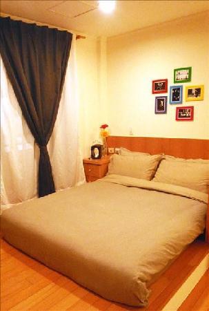 Sweet House No.12: 從來沒睡過這麼舒服的床~記憶床墊喔!!