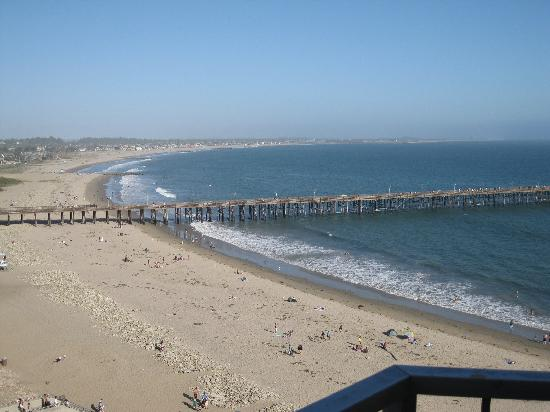 Crowne Plaza Ventura Beach : Pier from hotel room balcony