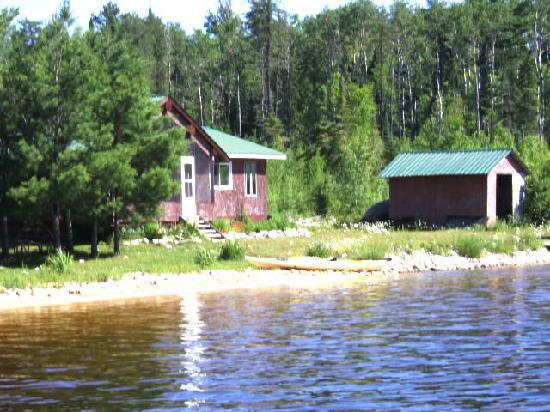 Hyatt's Manion Lake Camp: comfortable pine cabinets
