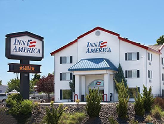 Inn America Lewiston: Front