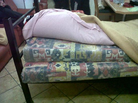 Jakaranda Lodge : the 2nd bed I had to sleep on