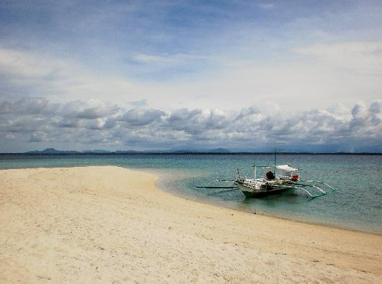 Sagay Marine Reserve (Carbin Reef) : solitary boat