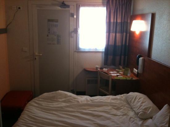 B&B Hotel Brest Kergaradec : chambre