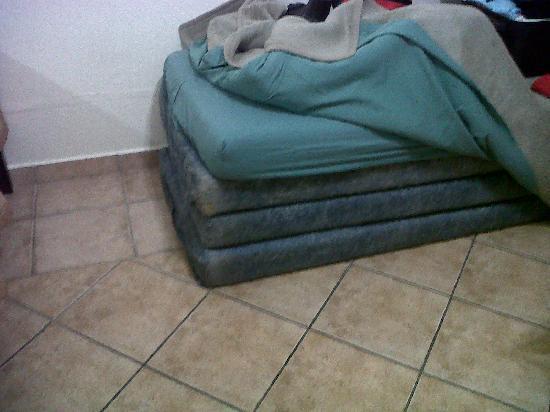 Jakaranda Lodge : 1 st bed