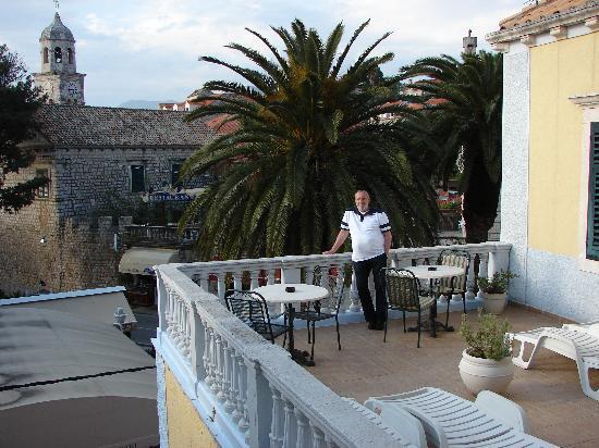 Villa Pattiera : top terrace