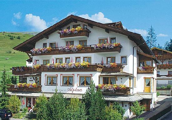 Garni Hotel Alpina Serfaus Austria In Summer Picture Of Hotel - Hotel alpina austria