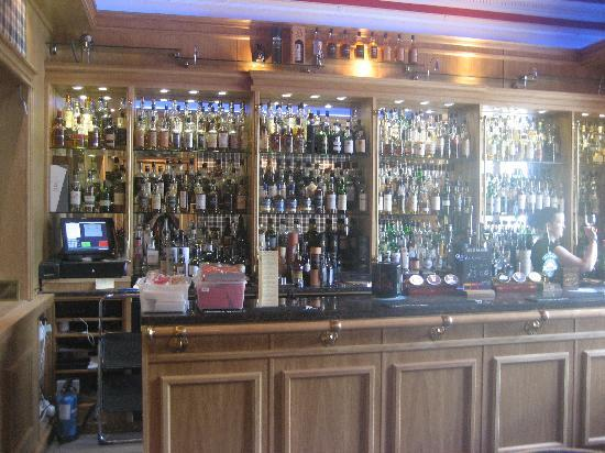 Ardshiel Hotel: The whisky bar...
