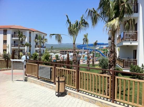 Eftalia Aqua Resort: toros mountains in background