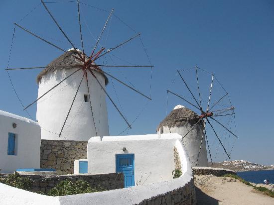 Mykonos by, Hellas: i famosi mulini a vento