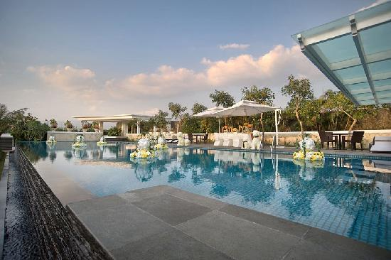 ‪‪The Papandayan‬: Lifestyle Pool Deck‬