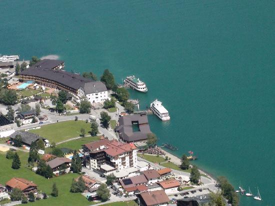 Stans, Oostenrijk: Bateaux sur le lac d'Achensee
