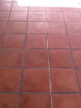 IBEROSTAR Lanzarote Park - TEMPORARILY CLOSED: Tired tiles outside forecourt.