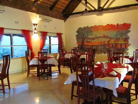 Ngolide Lodge: restaurante