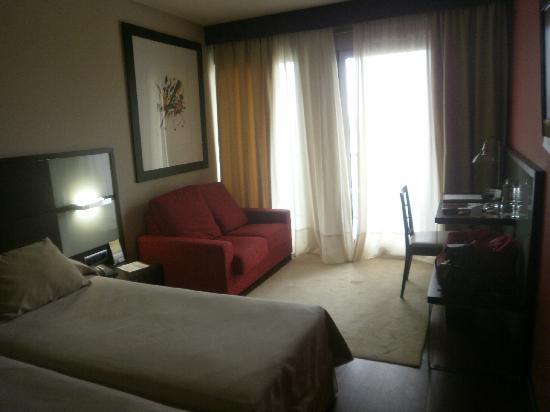 Royal Nayef Hotel: habitacion