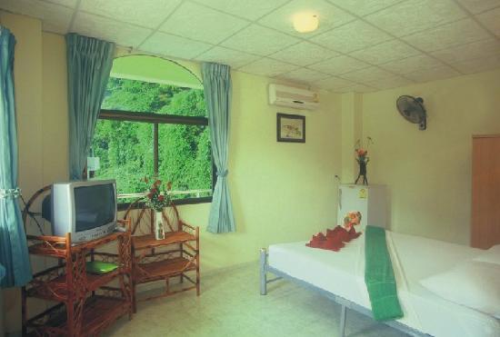 Sabai Mansion: standard room interior