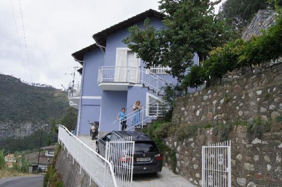 Domus Franca: The apartment