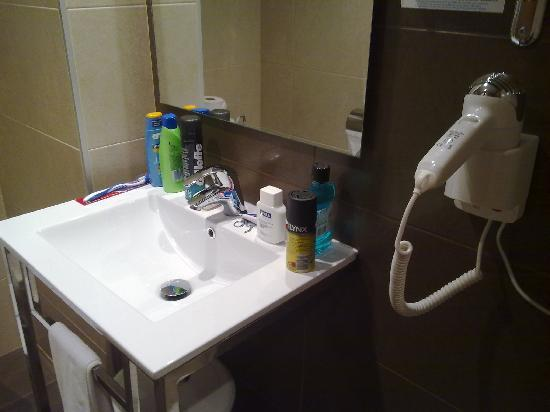 Hotel Helios Benidorm: Bathroom